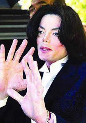 ...杰克逊和黛比・罗的未婚同居关系被证实.2004年新闻又说杰...