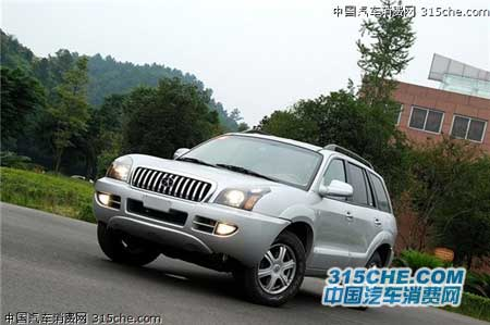 目前江淮瑞鹰柴油版只有一款车型,配置和普通汽油版车型相比缺少后