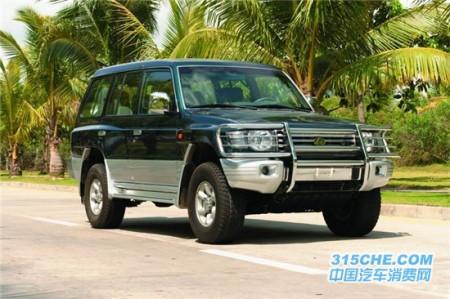 配置详解:长丰猎豹黑金刚车型源自老款三菱