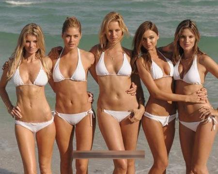比基尼美女爱上法国裸居小岛