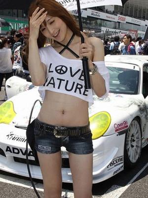 日本21岁美女模特自曝是男儿身