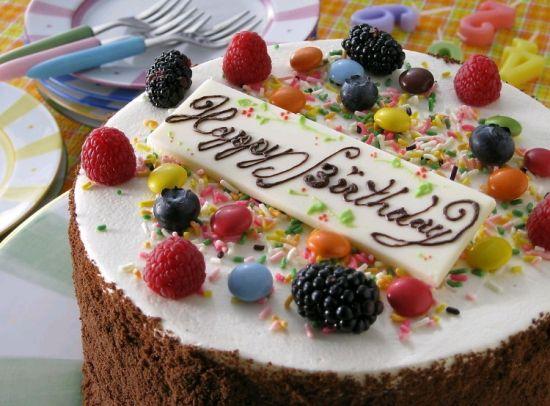 饮食禁忌 > 正文    为了避免肝癌侵袭,尽量不买加氢化植物油的蛋糕.