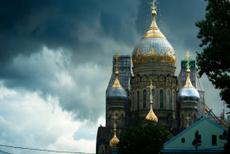 圣彼得堡:沙皇彼得一世、列宁格勒、北极光的白夜城