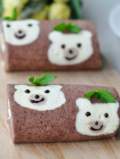 小吃做法大全:全彩绘可爱小熊蛋糕卷diy