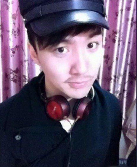 孟志超:三毛生活照25岁正太(4)