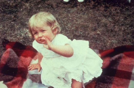 成员童年萌照 戴安娜王妃