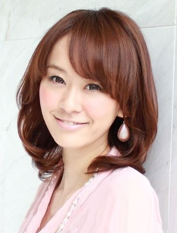 斜刘海梨花头多款设计 长发短发造型都很美