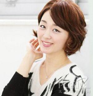 中年烫发发型图片 尽显女性成熟魅力