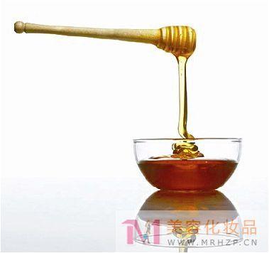 蜂蜜美容护肤小窍门 祛斑保湿除皱功效多