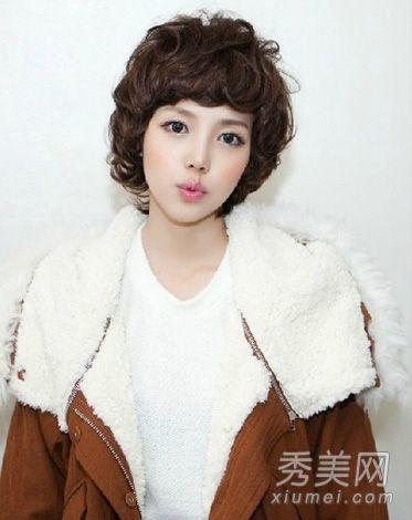 羊卷的短发发型