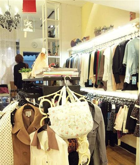 韩国服装店装修风格小店
