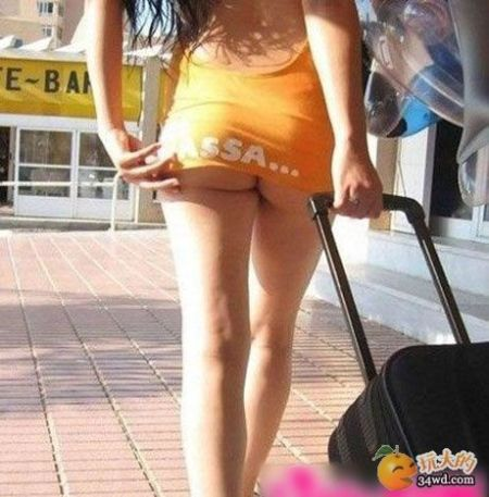 色狼拍摄裙底风光 网友:入夏有风险