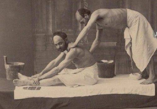 浴场老照片曝光看百年前男人们如何做SPA
