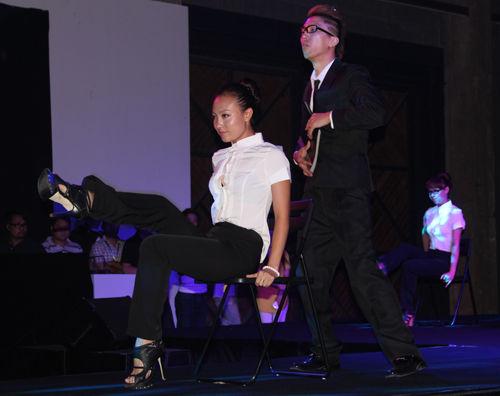"""由""""中国达人秀""""20强团队带来的创意舞蹈"""