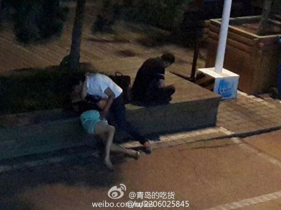 青岛醉酒女子遭路人猥亵图