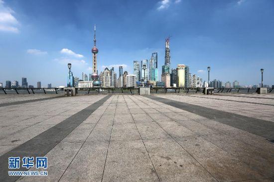 上海超40度高温天外滩观光平台空无一人(图)
