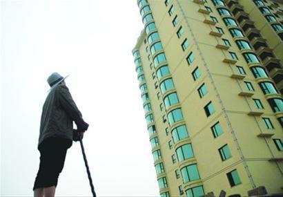 """□""""以房养老""""如果试点成功,对于解决老年人的养老资金问题,盘活已有房屋资源,扩大保险公司业务都有积极意义。 /CFP"""