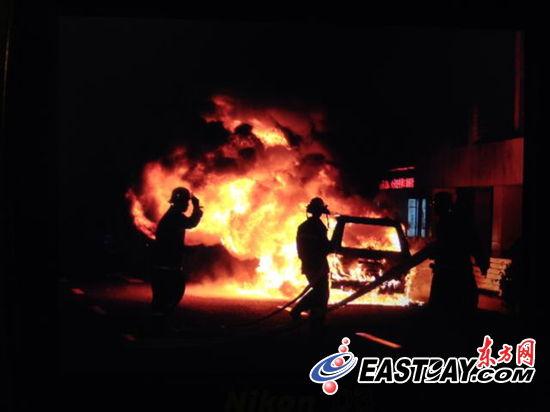 消防人员现场施救