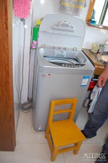 事故中,绞死女童的洗衣机