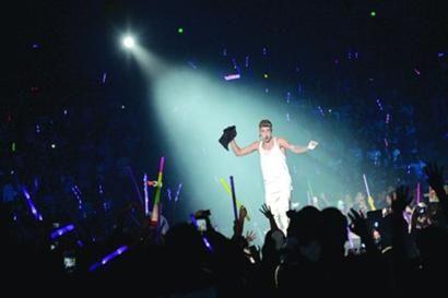 □贾斯汀·比伯演唱会现场气氛火爆/晨报记者 肖允