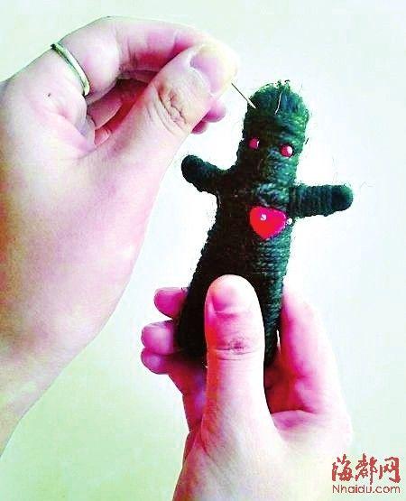 巫毒娃娃:巫毒娃娃成时尚玩具