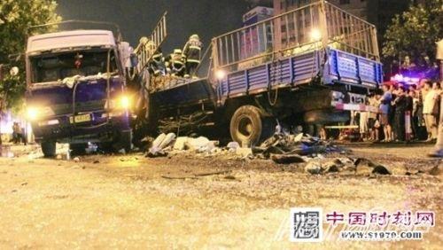 武城车祸5人死亡4名为学生