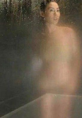 手绘古装飘逸仙女出浴