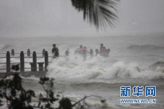 台风海燕已致7人死亡 明天进入广东