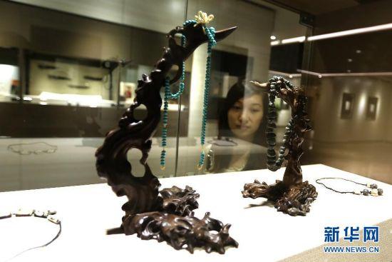 苏宁个人画展在朵云艺术馆举行