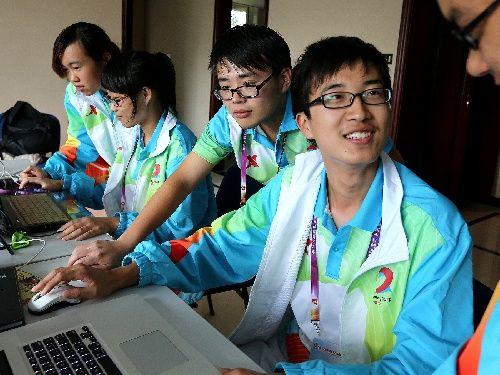 全运志愿者默默奉献志愿者服务