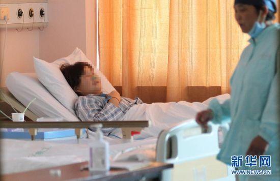 上海医务人员全力救治冷库液氨泄漏事故受伤人员