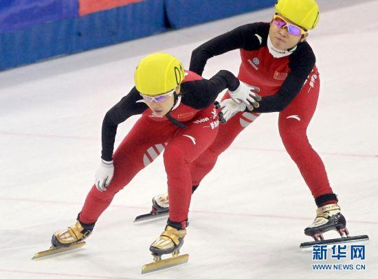 短道速滑世界杯女子3000米接力决赛:中国队获亚军