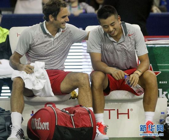 网球上海大师赛:费德勒/张择男双晋级