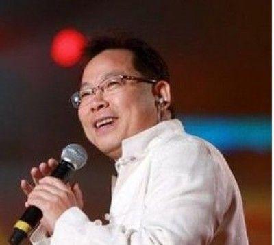张明敏则变《我的中国心》为《我的中国梦》,彰显时代特色.