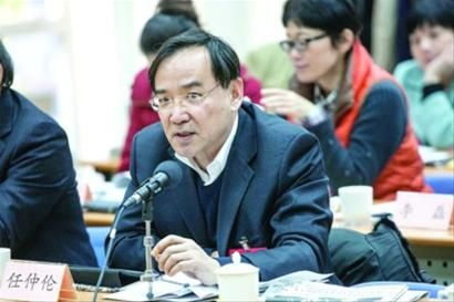 在文化产业大发展的背景下,上海文化要用自强赢得自信。这就要抓好两个核心竞争力——原创能力和市场控制能力。 ——市政协委员、上影集团总裁任仲伦