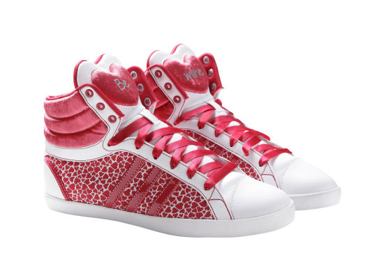 adidas NEO Label情人节限定款服装与鞋款
