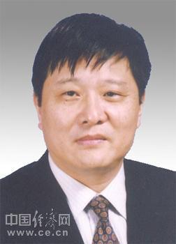王坚,男,1955年4月生,汉族,山东诸城人,中共党员,1971年1月参加工作,在职研究生,工学硕士,高级工程师。