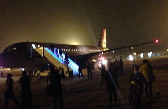 昨晚,临时备降济南的吉祥航空HO1253航班。