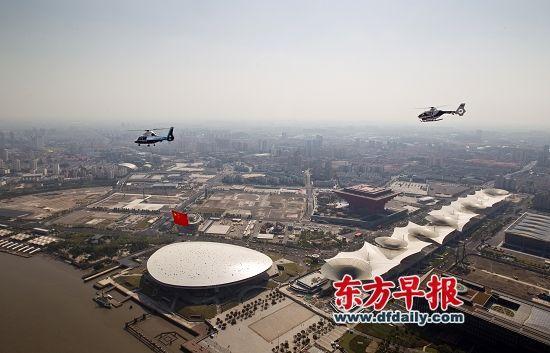 2012年10月1日,空中俯视世博轴。刘行喆 早报资料