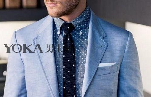 浅蓝色西装外套将大众的目光锁在布满细密白点的