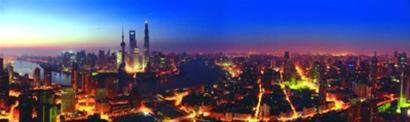 """□上海已发展成为拥有两千多万人口的特大城市,新一轮城市规划方案提出防止""""千城一面"""",确定各有侧重的公众参与。 新华社"""