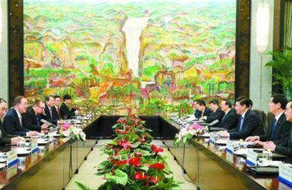 习近平会见联合国秘书长潘基文。 新华社记者 姚大伟 摄
