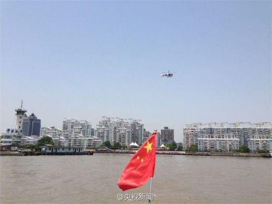 亚信峰会召开,上海安保升级,5月15日上午黄浦江举行闯关船舶拦截联合演习。