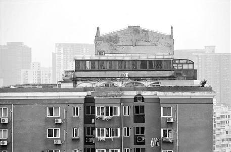 普陀区豪华空中别墅下周拆除 违章搭建已存在四五年