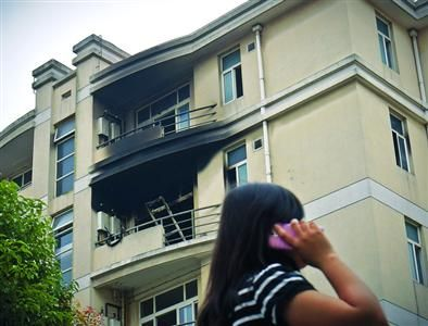 □上大宝山校区的学生宿舍发生火灾,幸无人员受伤。