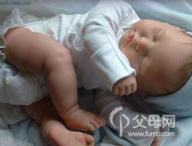 女宝宝生殖器什么颜色