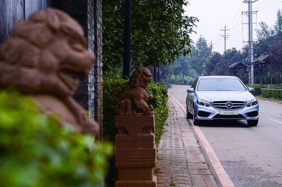 高屋建瓴 试驾北京奔驰E320L运动版