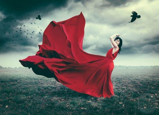 摄影师拍摄超现实梦境般梦幻的人像照片