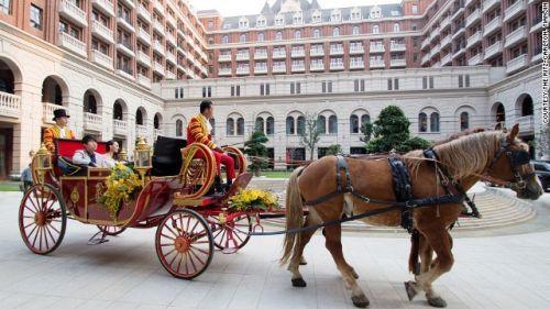 拥有皇家马车 全球14大奇特的酒店服务
