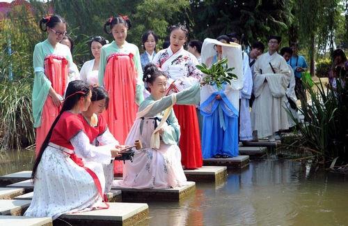 放飞……一场充满中国古代传统图片